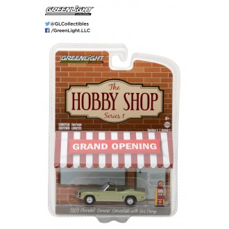 Greenlight 1:64 The Hobby Shop 1969 Chevrolet Camaro Convertible With Gas Pump