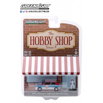 Greenlight 1:64 The Hobby Shop - 1975 Volkswagen Golf Rabbit With Race Car Driver