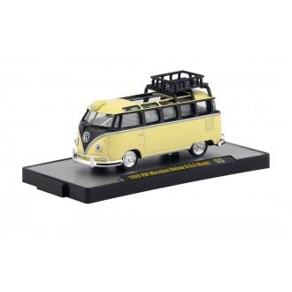 M2 Machines 1:64 1959 Volkswagen Microbus Deluxe U.S.A. Model