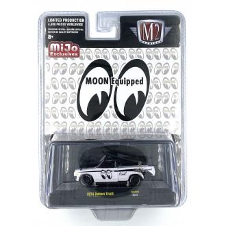 M2 Machines 1:64 1974 Datsun Truck Moon