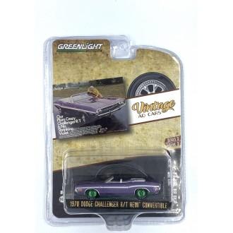 Greenlight 1:64 Vintage Ad Cars  - 1970 Dodge Challenger R/T Hemi Convertible Green Machine