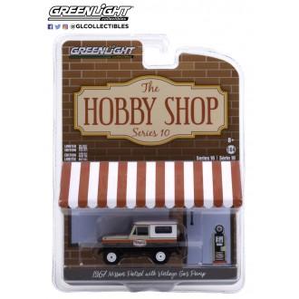 Greenlight 1:64 The Hobby Shop - 1967 Nissan Patrol