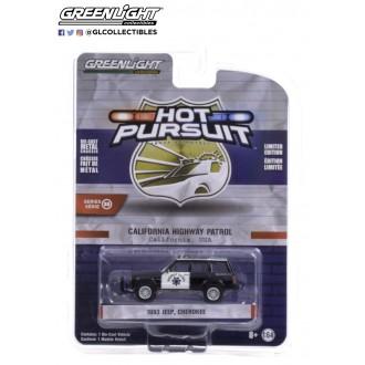 Greenlight 1:64 Hot Pursuit - 1993 Jeep Cherokee California Highway Patrol