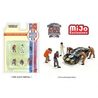 American Diorama 1:64 - Race Day Figure Set